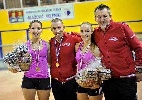 Pobjednici porečkog memorijala - sestre Carrolina i Virginia Bajrić, te dva Gregora, Sever i Oprešnik
